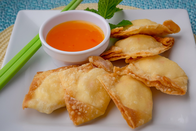 2. CRAB RANGOON (6)