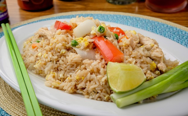 61. Simply Fried Rice (KHOW PAD)